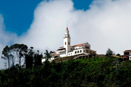The path to Monserrate and its temple will be very busy during Easter