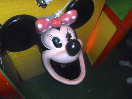 Minnie Mouse - urinal sink
