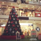 Christmas decorations in a shopping center!