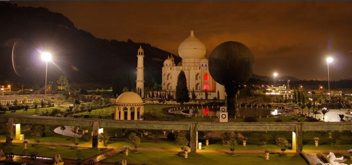 Parque Jaime Duque outside of Bogota, Colombia!